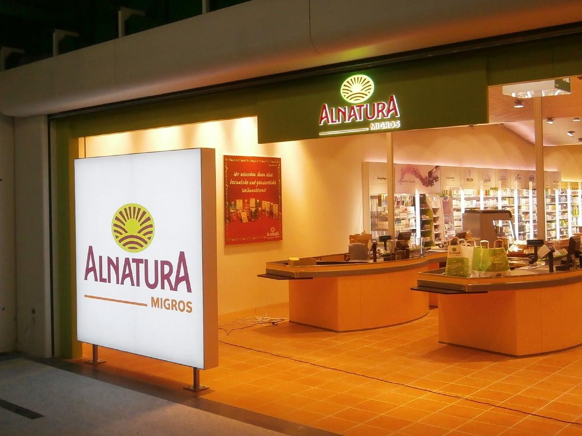 Neoprop Lichtwerbung Alnatura Migros Bio Supermarkt