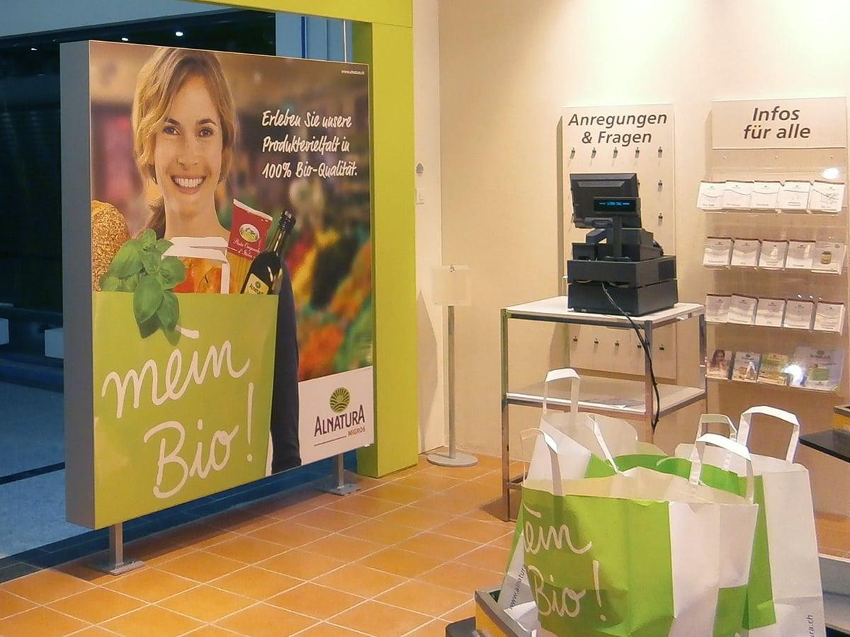 Neoprop Lichtwerbung LED-Spanntuchrahmen Alnatura Migros Bio Supermarkt
