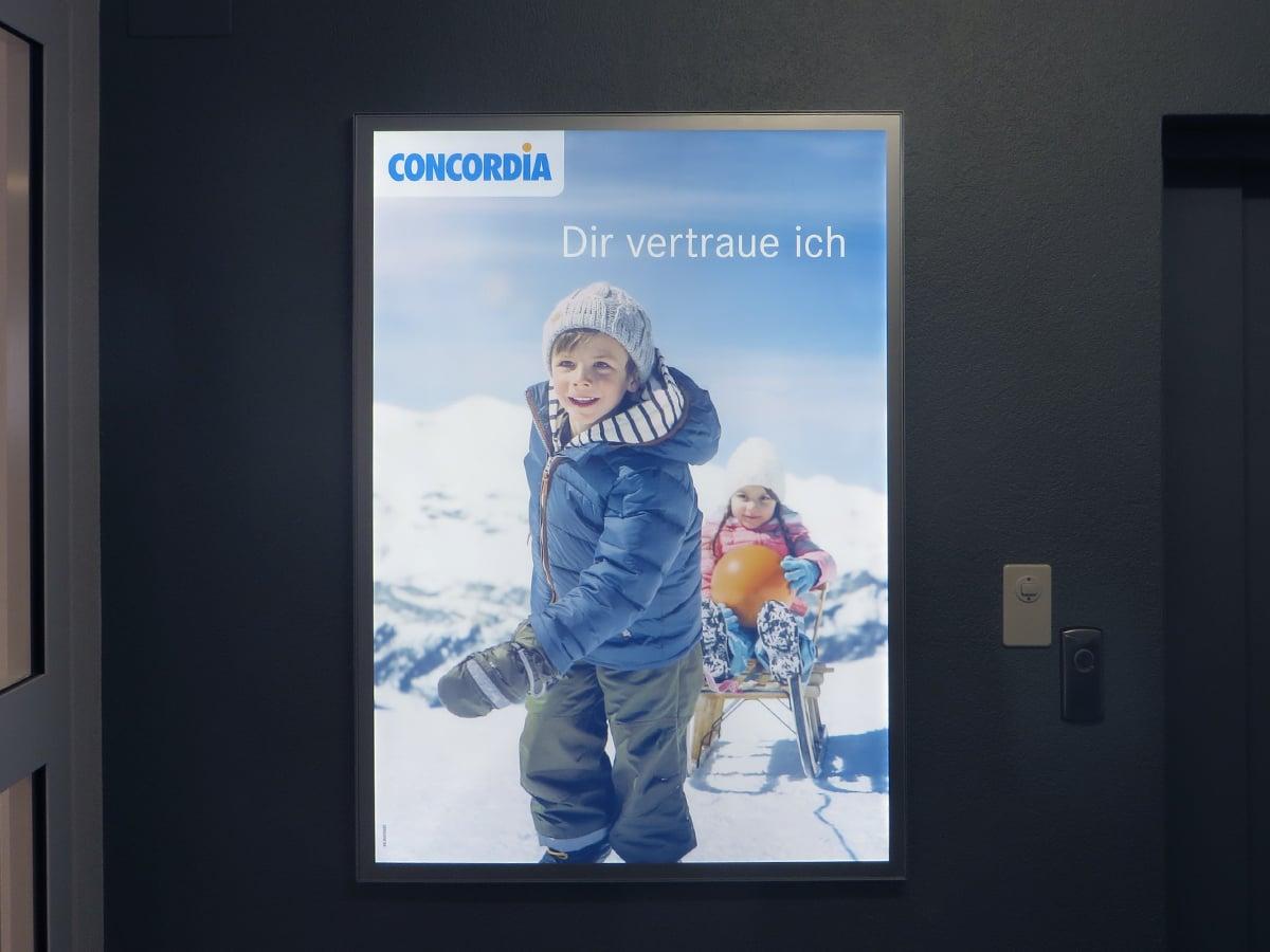 Neoprop Aussenbeschriftung LED-Leuchtrahmen Concordia