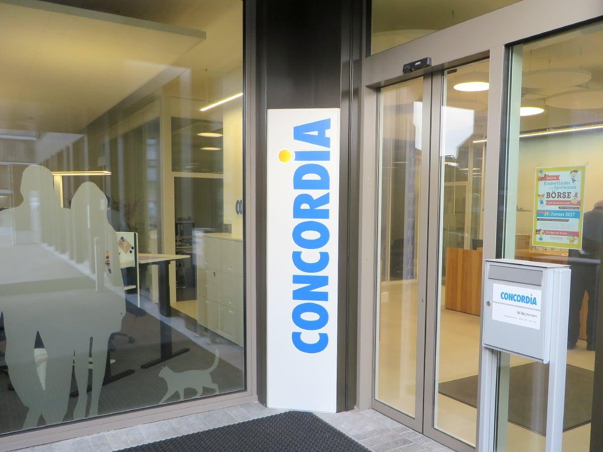 Neoprop Lichtwerbung Aussenbeschriftung Leuchtransparent Concordia