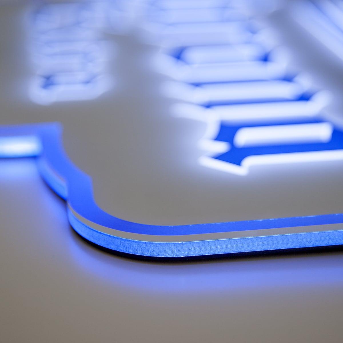 Neoprop LED-Schilder Seitenansicht