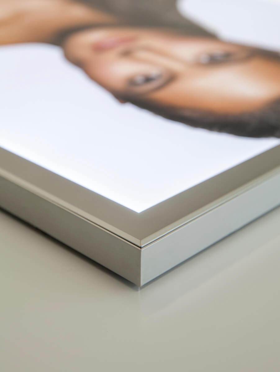 Neoprop LED-Magnet-Leuchtrahmen Aluminium