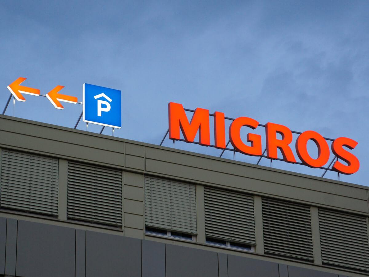 Neoprop Aussenbeschriftung Einzelbuchstaben Migros Bülach Süd MMM