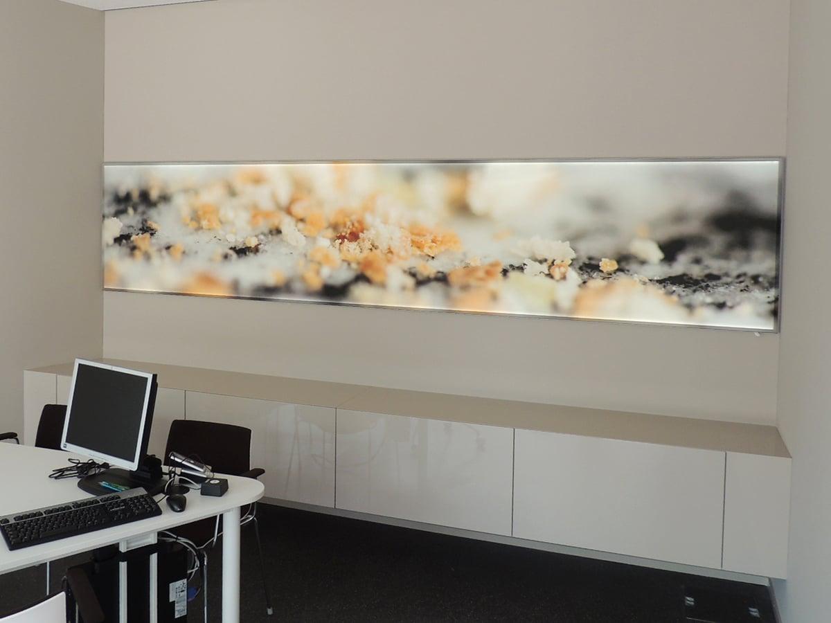 Neoprop Raiffeisen Raumdekoration LED-Spanntuch