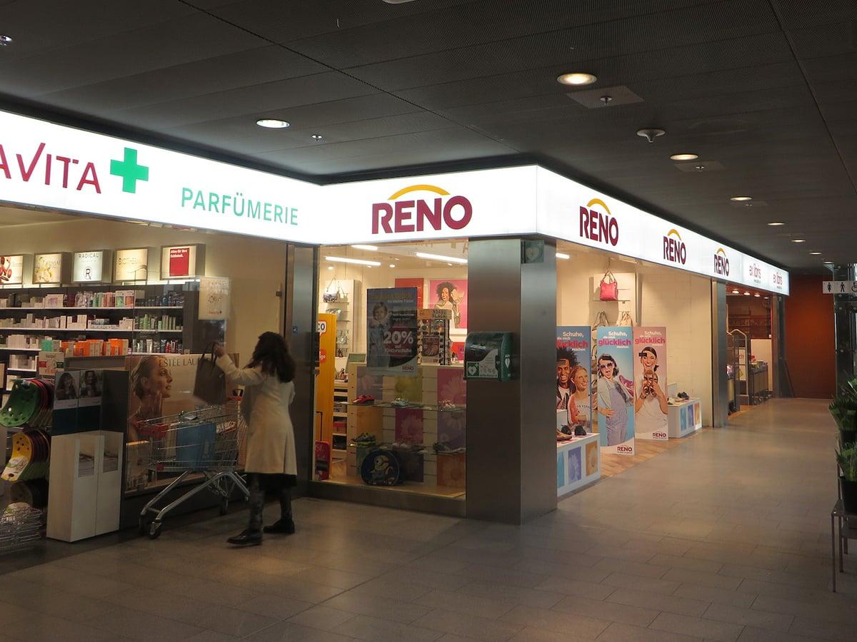 Neoprop Innenbeschriftung Reno Einkaufszentrum
