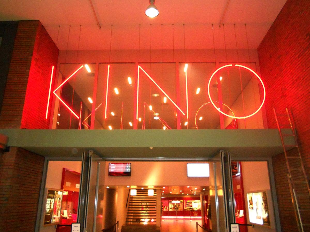 Neoprop Beschriftung Kino Sterk Trafo