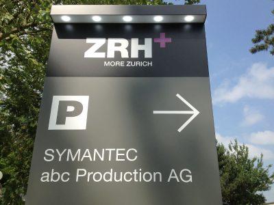 Neoprop Aussenbeschriftung ZRH+ Pylon